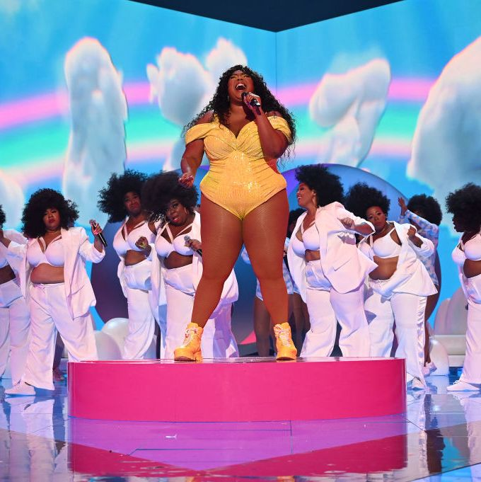 [WATCH] Lizzo Takes Us to Her Church of Self Love at the VMAs
